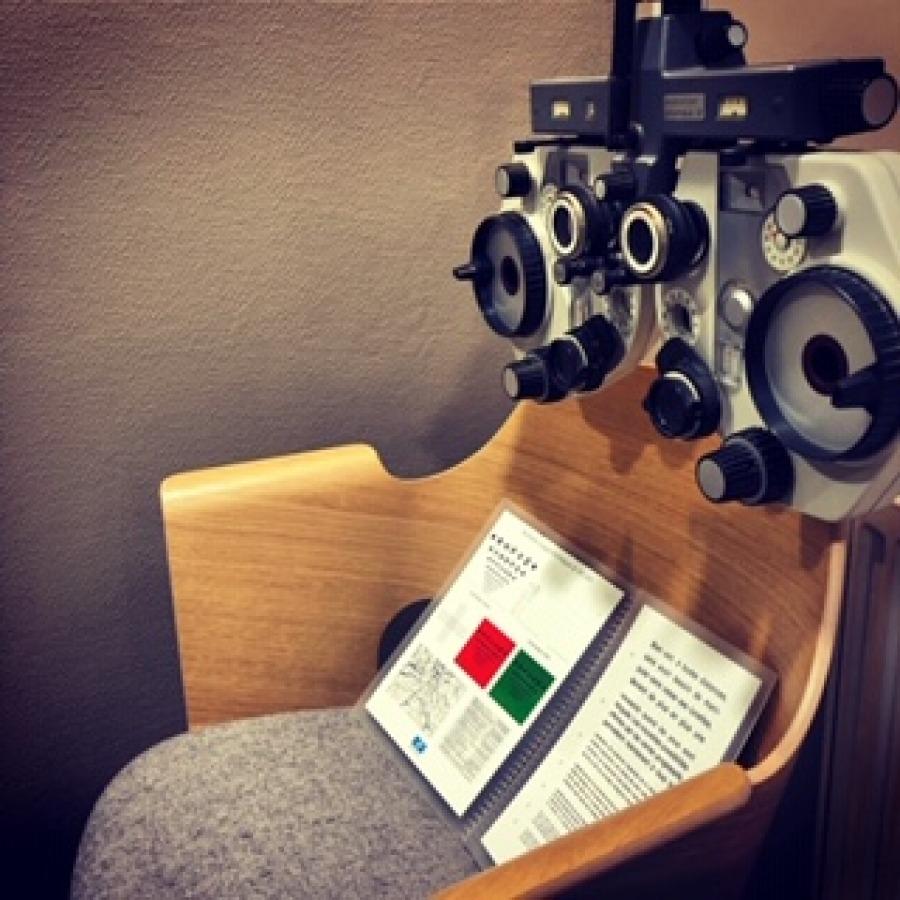 Conctacts ophtalmologue à Paris chez Optique Place des Fetes